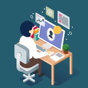 Webinar Konzept mit Mann auf Schreibtisch